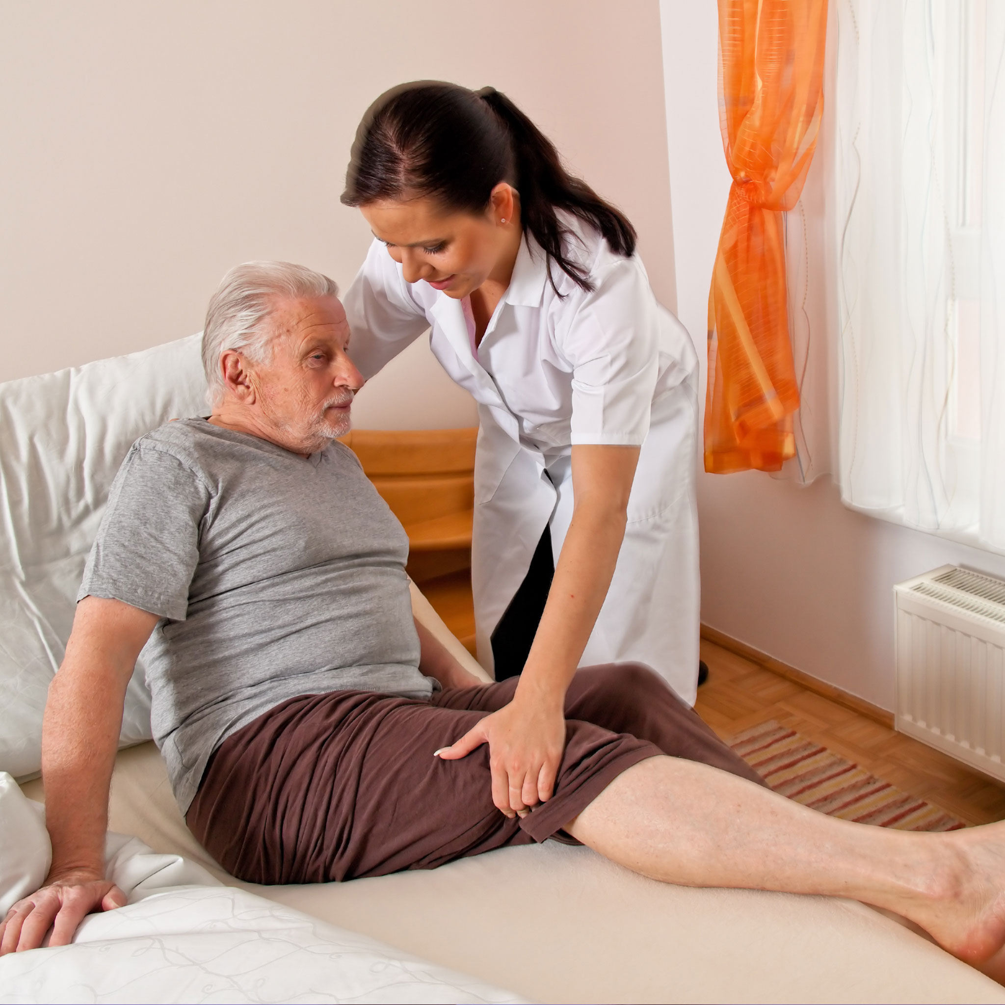 Signs you may have hired a lousy caregiver for your loved one